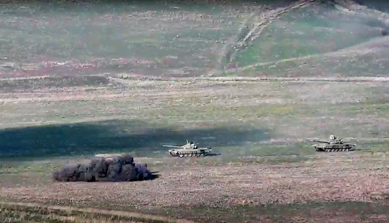 Ο στρατός της Αρμενίας χτυπά τανκς του Αζερμπαϊτζάν στο Ναγκόρνο-Καραμπάχ